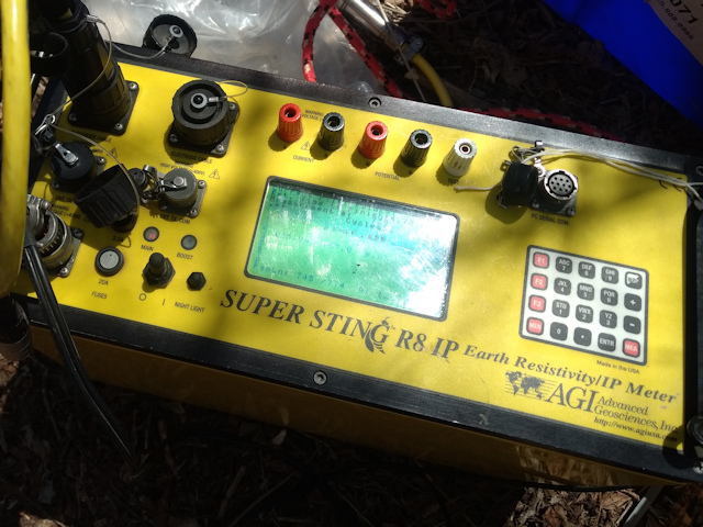 Electrical resistivity meter AGI SuperSting R8
